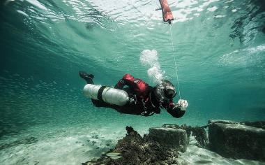 SDI Dry Suit Diver Course